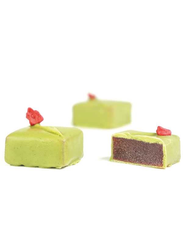 Strawberry and thyme pâte a fruit