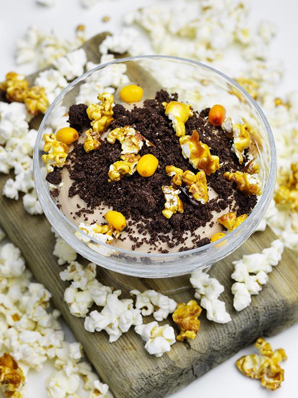Chokladmousse och havtornspannacotta